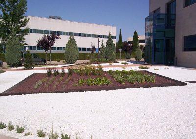 trabajos2-de-diseno-de-jardines-en-valladolid